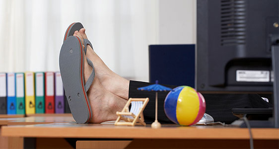 can employees take a day off during the heatwave - outsourced hr - hr revolution